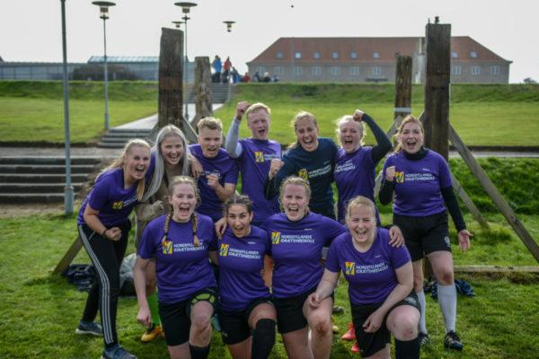 Fodboldstævne pigerne - Nordjyllands Idrætshøjskole