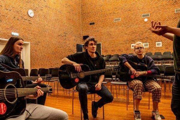 Guitar undervisning - Nordjyllands Idrætshøjskole