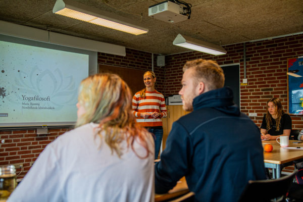 Yogafilosofi - Nordjyllands Idrætshøjskole